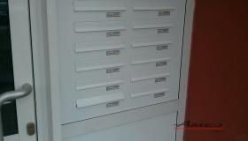 Poštové schránky do dverí paneláku