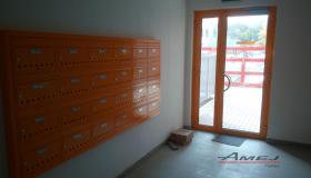 Poštové schránky Amej, Tammi Dúbravka